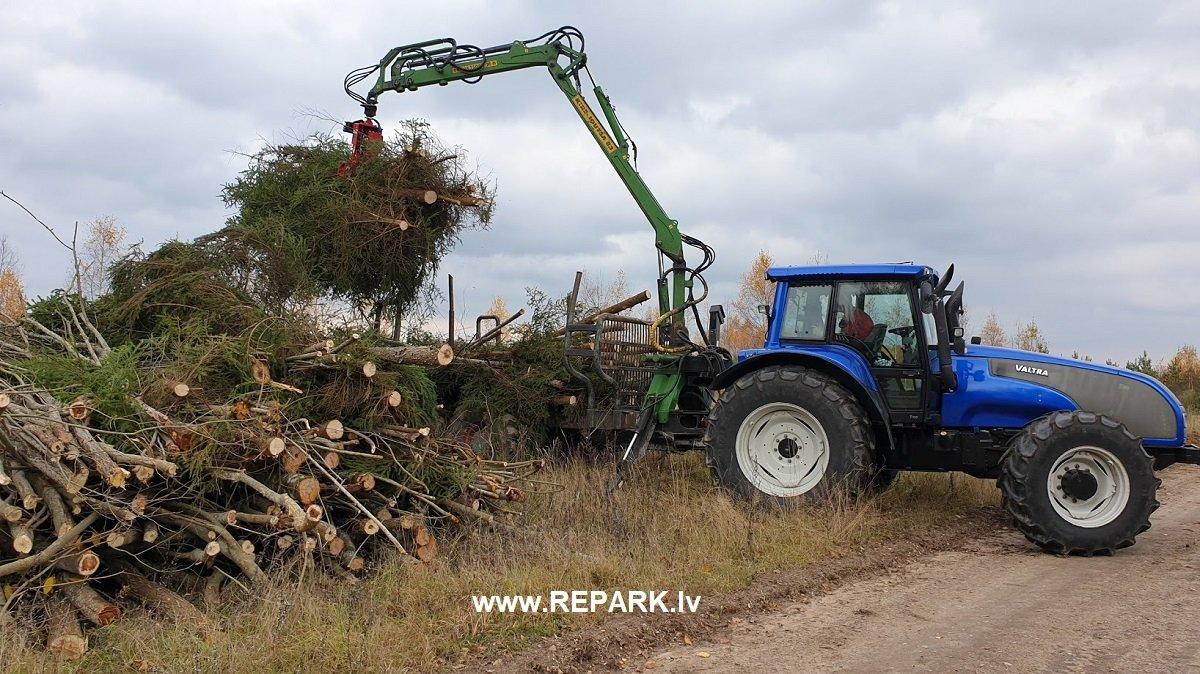 KNIEBĒJGALVA FARMIKKO E220-200-HT2P